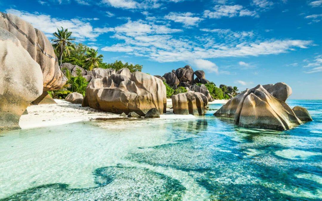 Giant rocks Anse Sous d'Argent beach